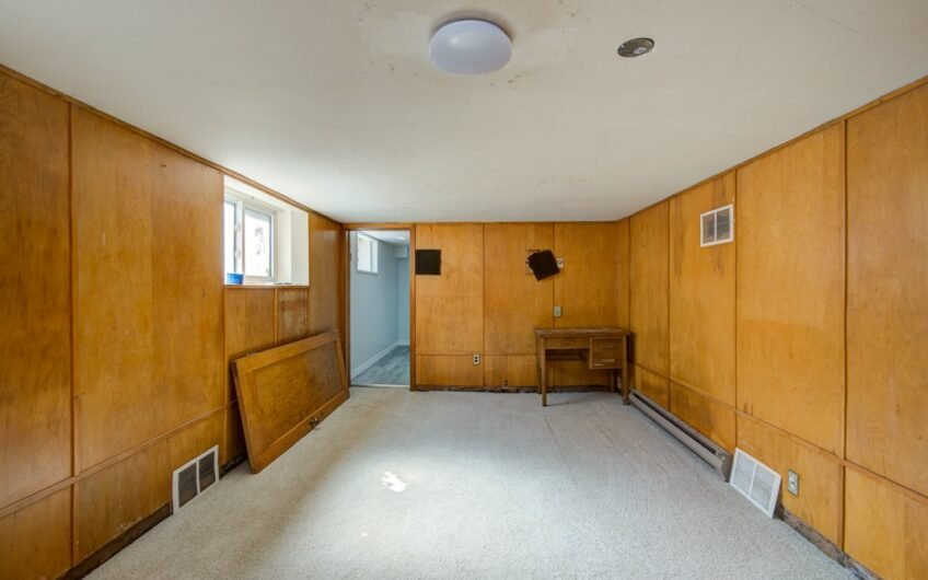 493 Courtland Ave East, Kitchener