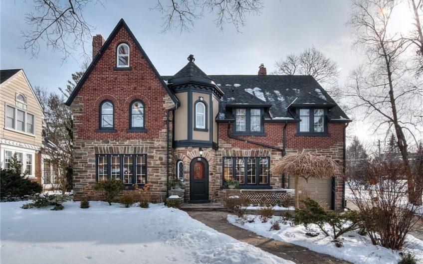 379 GLASGOW Street, Kitchener, Ontario