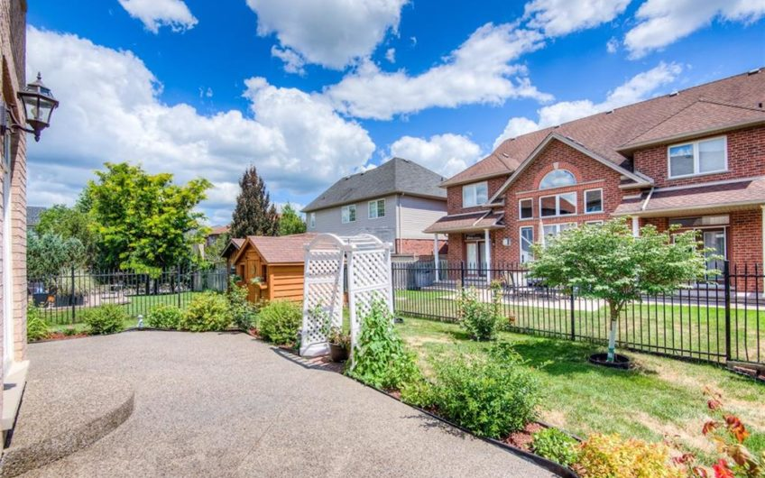 165 FALCONRIDGE Drive, Kitchener, Ontario