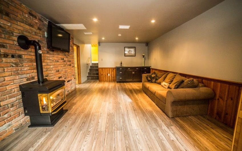 Sparkling clean vacant home!